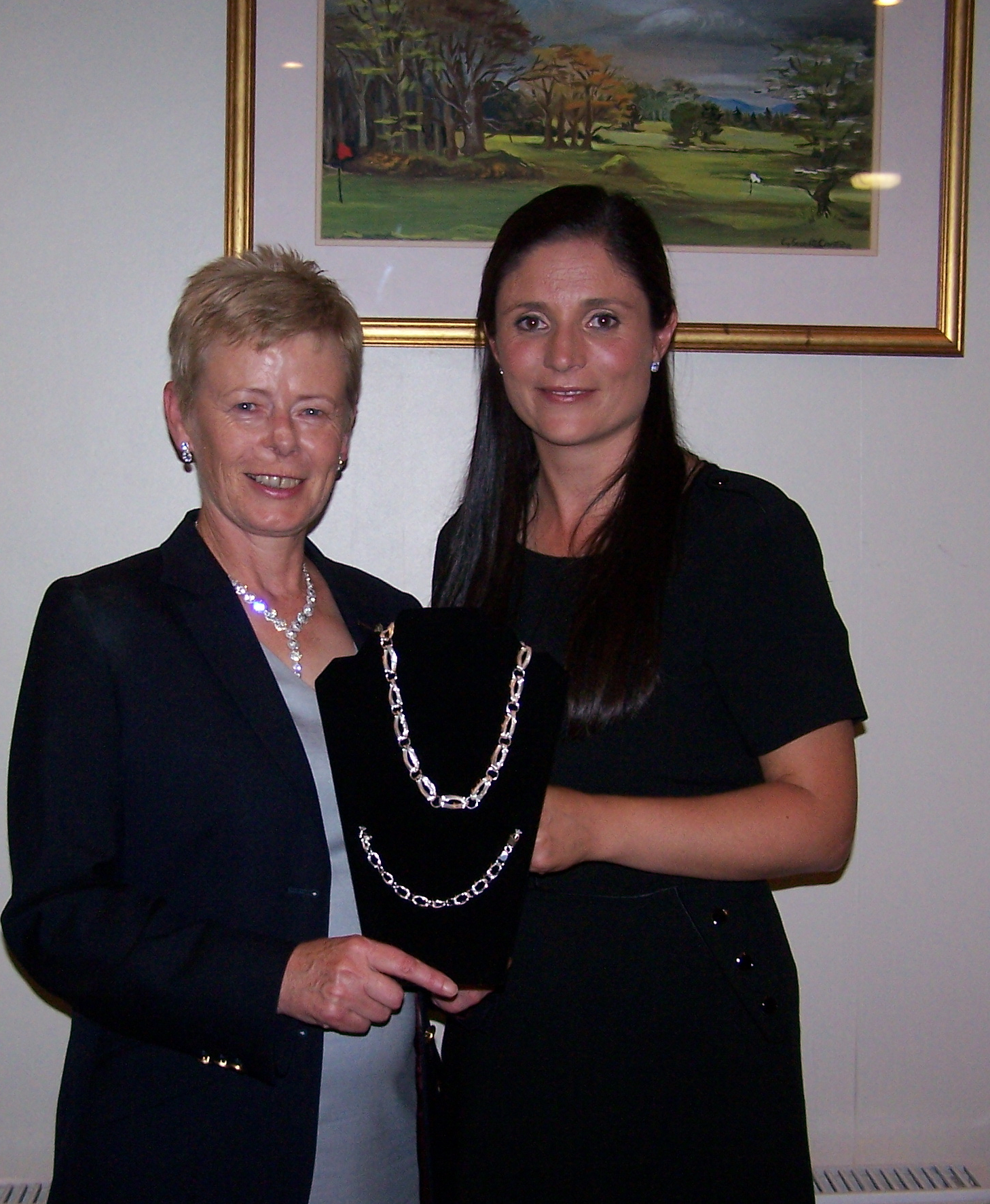 Una Marsden winner of Lady Captain Stephanie McNiff's prize